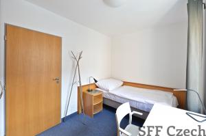 Nice small cheap room for rent Prague 7 Jankovcova
