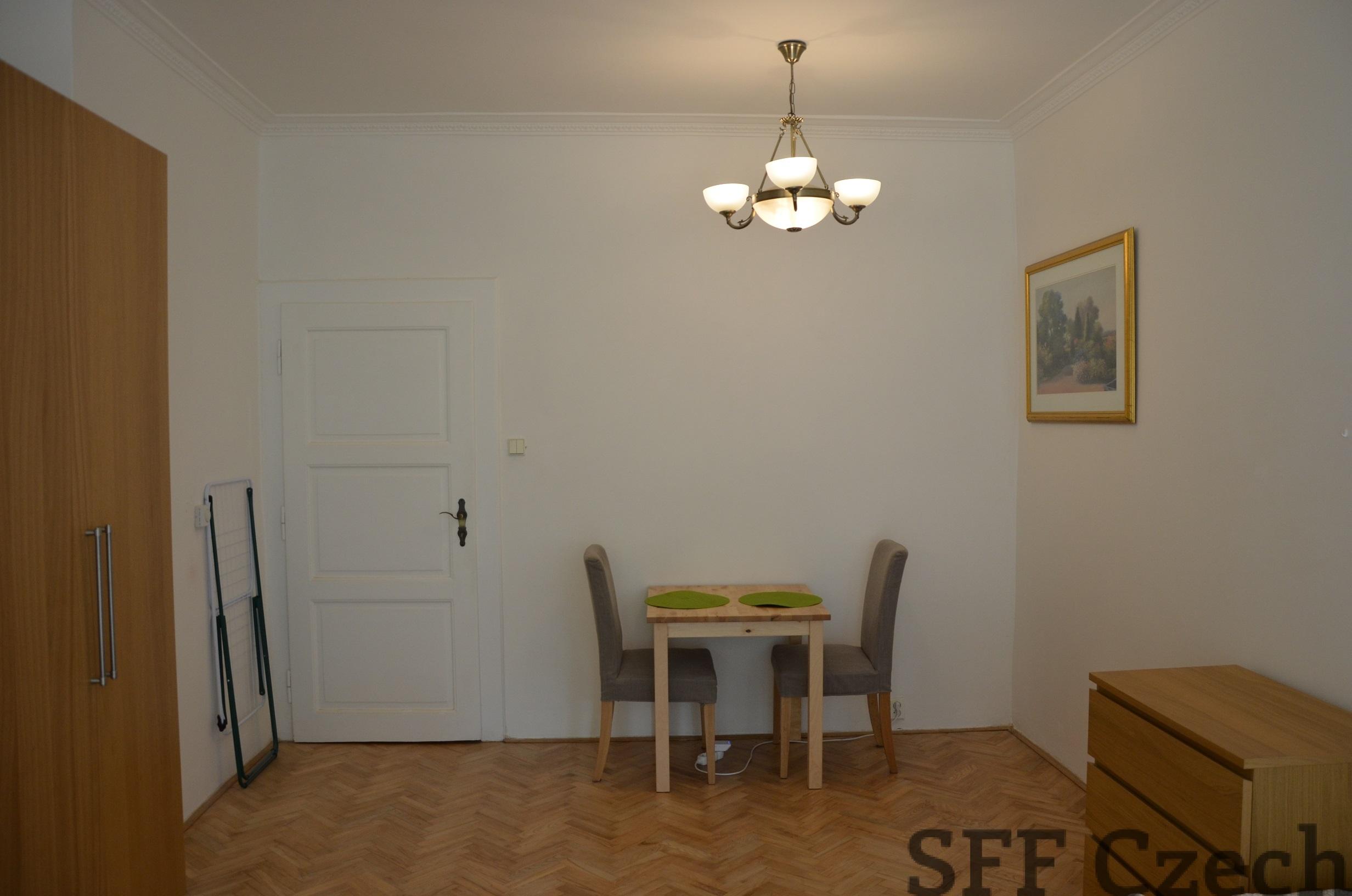 Students cheap flatshare Prague 10, Pod vinici