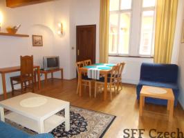 Mostecka furnished flat to rent next to Charles Bridge