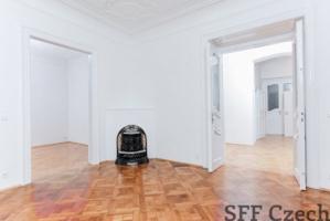 Na Perstyně next Narodni luxury flat to rent Prague 1