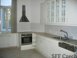 Luxury 5+1 apartment next Namesti miru Italska
