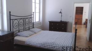 2 bedroom furnished flat close Andel Kavalirka