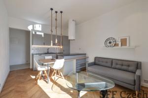 Holeckova furnished 1 bedroom flat Prague 5