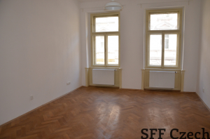 Nice large room for rent Vinohrady Prague 2