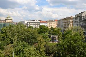 New furnished flat Mezibranska center Prague