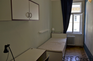 Nice furnished room rent Prague 1 V Jircharich