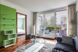 Luxury furnished 1 bedroom Italska Prague 2