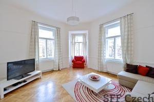 Nice furnished apartment Manesova Vinohrady
