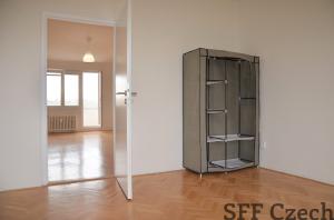 Pronájem částečně zařízeného bytu 2+1, Praha 10 - Záběhlice