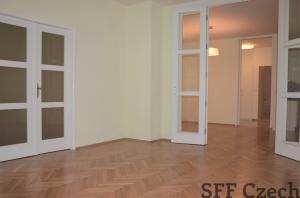 Very nice large 3 bedroom apartment in Prague 5 next metro Andel
