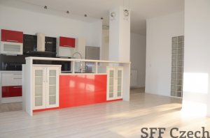 Nezařízený byt 3+kk k pronájmu Praha 5 blízko nákupního centra Nový Smíchov
